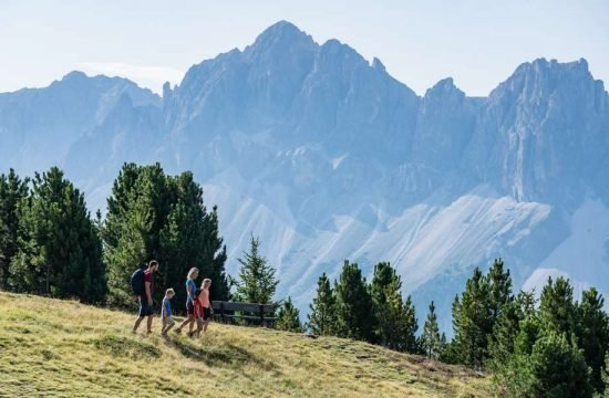 hiking holiday dolomites